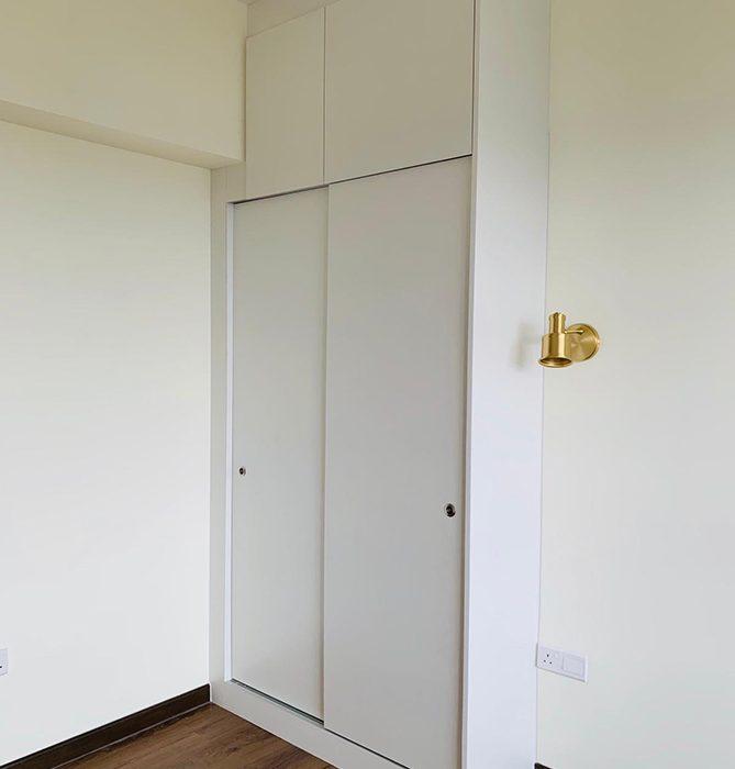 8.wardrobe