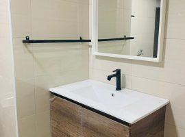 08.bathroom
