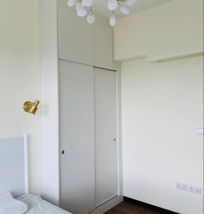 7.wardrobe
